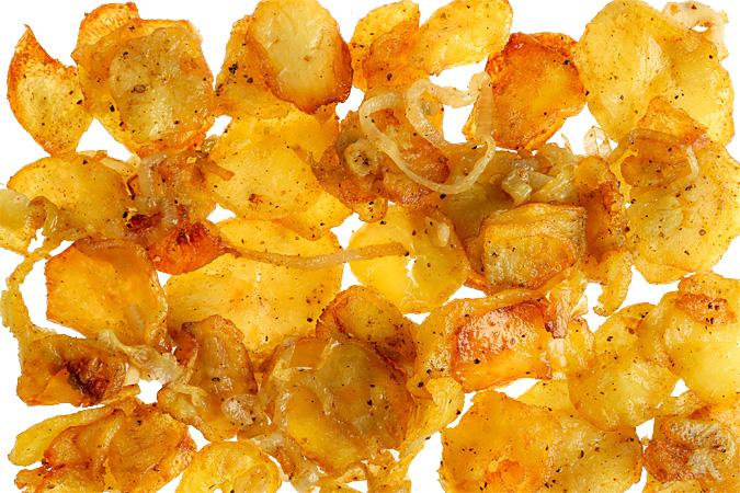 Жареная картошка по-домашнему с луком